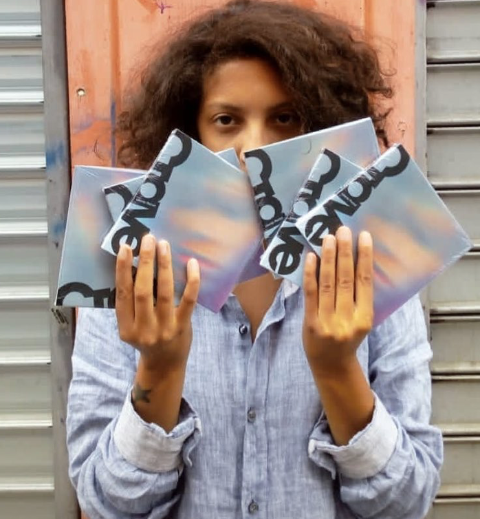 Image for Léonie Pernet sait tout faire, mais à la base elle est :